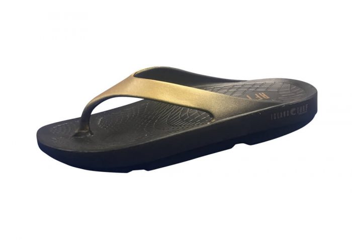 Island Surf Company Wave Sandals - Women's - black/gold, 9